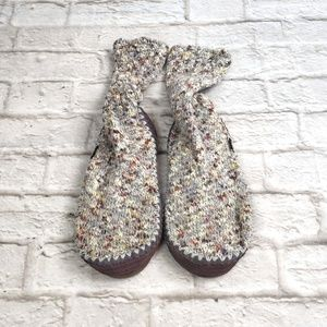Acorn Sock-slippers size 9.5-10.5